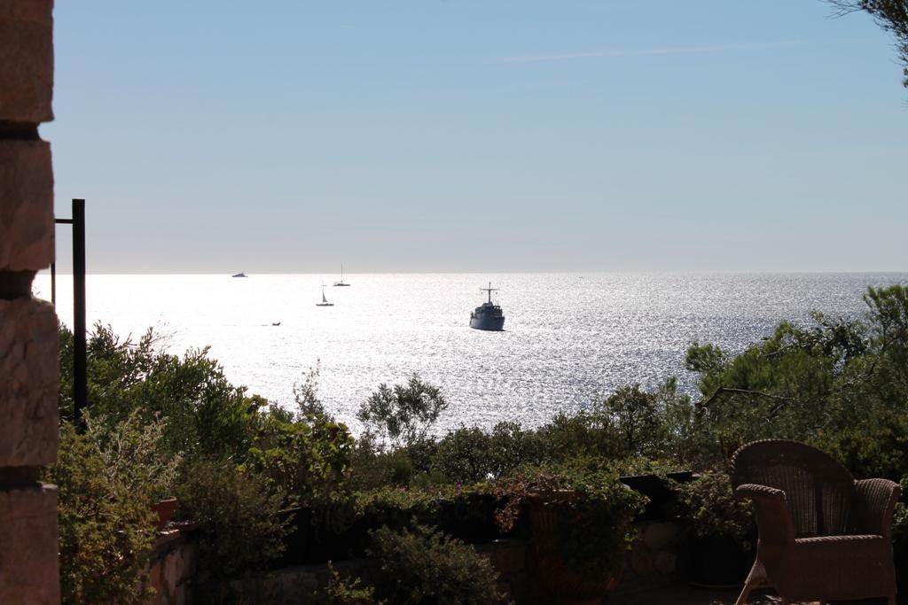 L'activité marine dans la baie du Boucharel, à l'est